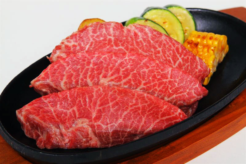 """Becerros de Oro: """"Wagyu–Kobe"""" – La carne más cara del mundo – más de 600 euros el kilo –"""