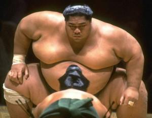 Japón necesita luchadores de Sumo