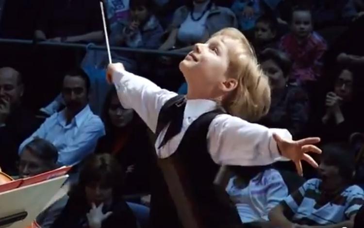 Edward Yudenich, extraordinario director de orquesta de 7 años