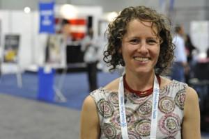 Deborah Cohan, hace Furor en la Web el baile de una doctora antes de la operación