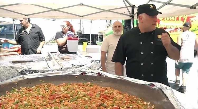 Famoso chef cocina 45.000 comidas para Puerto Rico