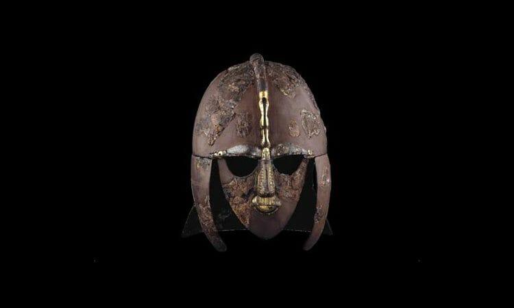 Casco Famoso - podría pertenecer a Raedwald, rey de todos los reyes de Gran Bretaña