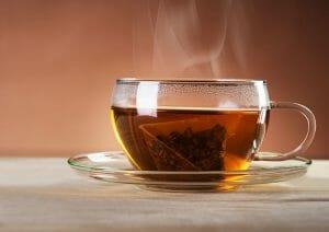 Té caliente relacionado con cáncer: Los fumadores y bebedores están en alto riesgo